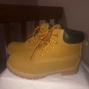 Kids carpenter boots